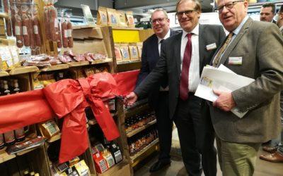"""Regionalregale """"Kostbares Südniedersachsen"""" im Rewe Geismar und Edeka Grone eröffnet"""